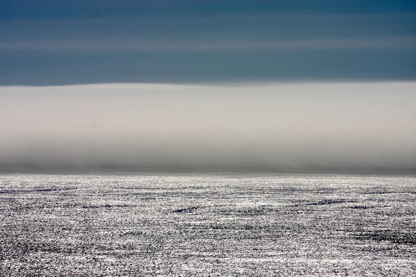Nebelwand über dem Pazifik