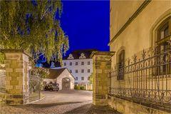 Neben dem Rathaus Bernburg gefindet sich die Schloßbaustelle