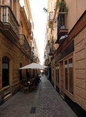 Nebenstraße in Cadiz, Andalusien