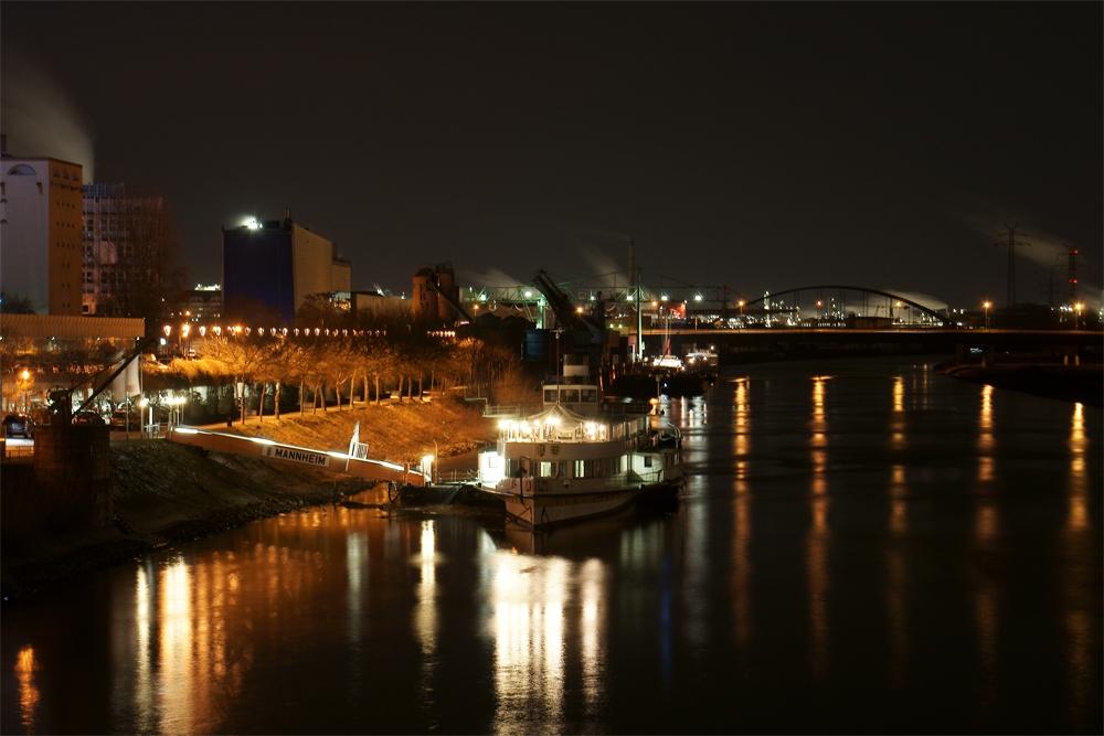Neckar bei Mannheim
