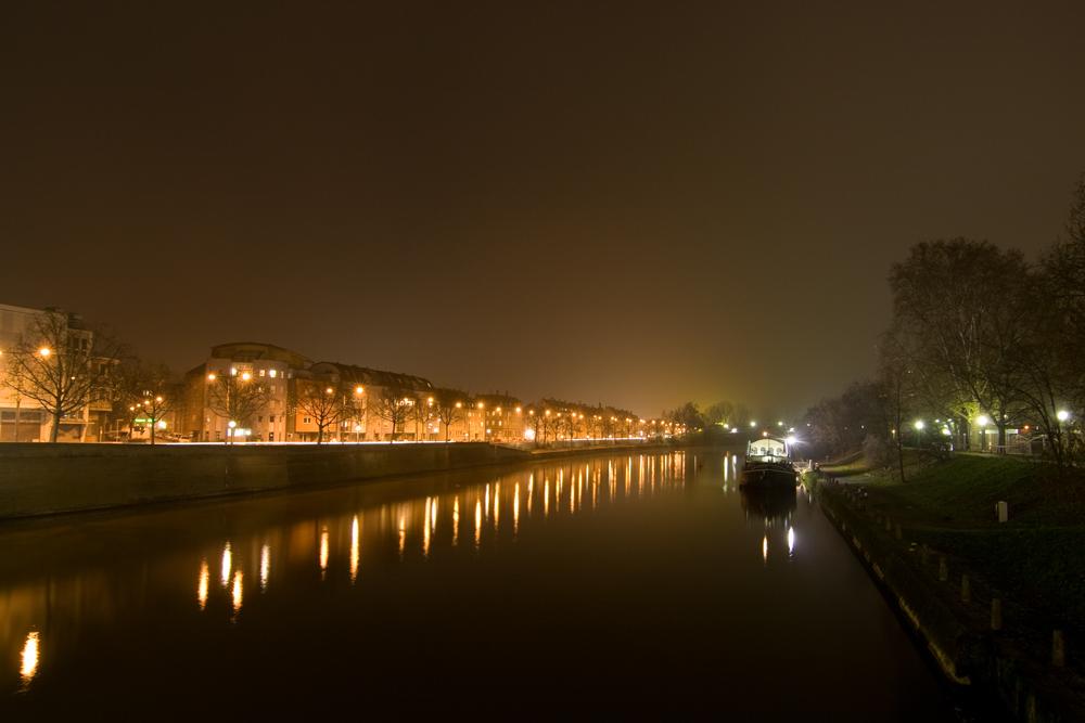 Neckar bei Nacht