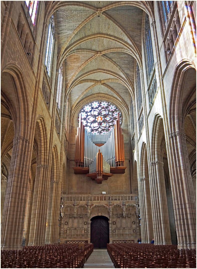 Nef, jubé et orgue de la Cathédrale Saint-Etienne de Limoges