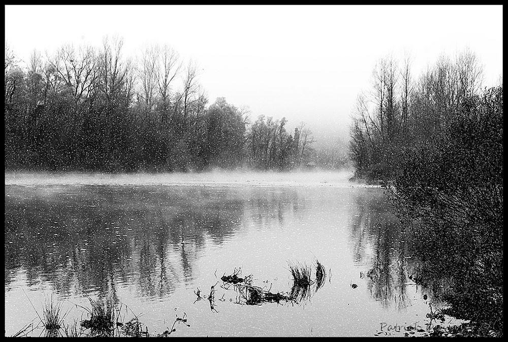 Neige sur la Dordogne...