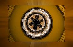 Nein, keine Polarkoordination. Der reale Blick in den Glockenturm des Französischen Doms.