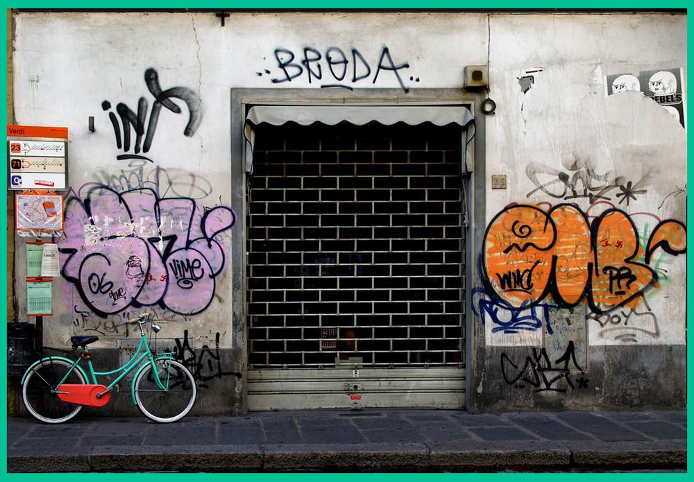 Nella mia citta' ...........culla dell' Arte.......negozio incorniciato.....