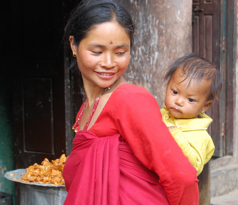 Nepaly woman with child
