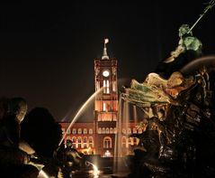 Neptunbrunnen und Rotes Rathaus