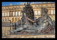 Neptunfigur vor dem  Fortunabrunnen