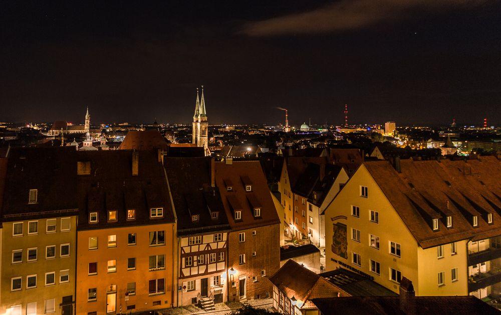 Nernberch bei Nacht