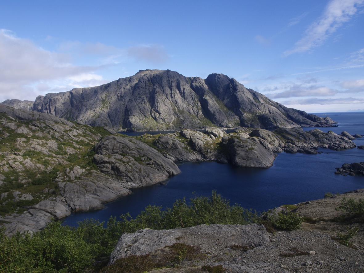 Nesheia near Nusfjord
