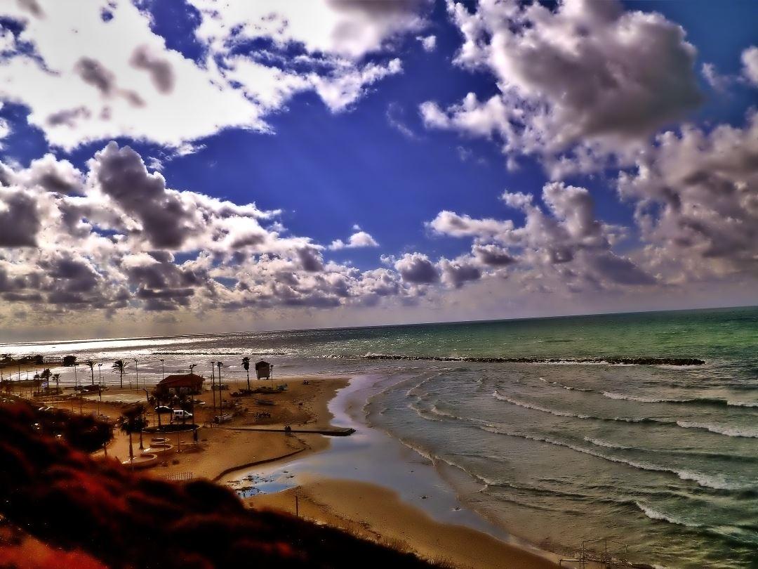 NETANYA JANUARY BEACH
