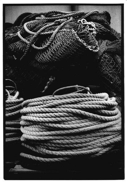Netze im Hafen auf Fehmarn