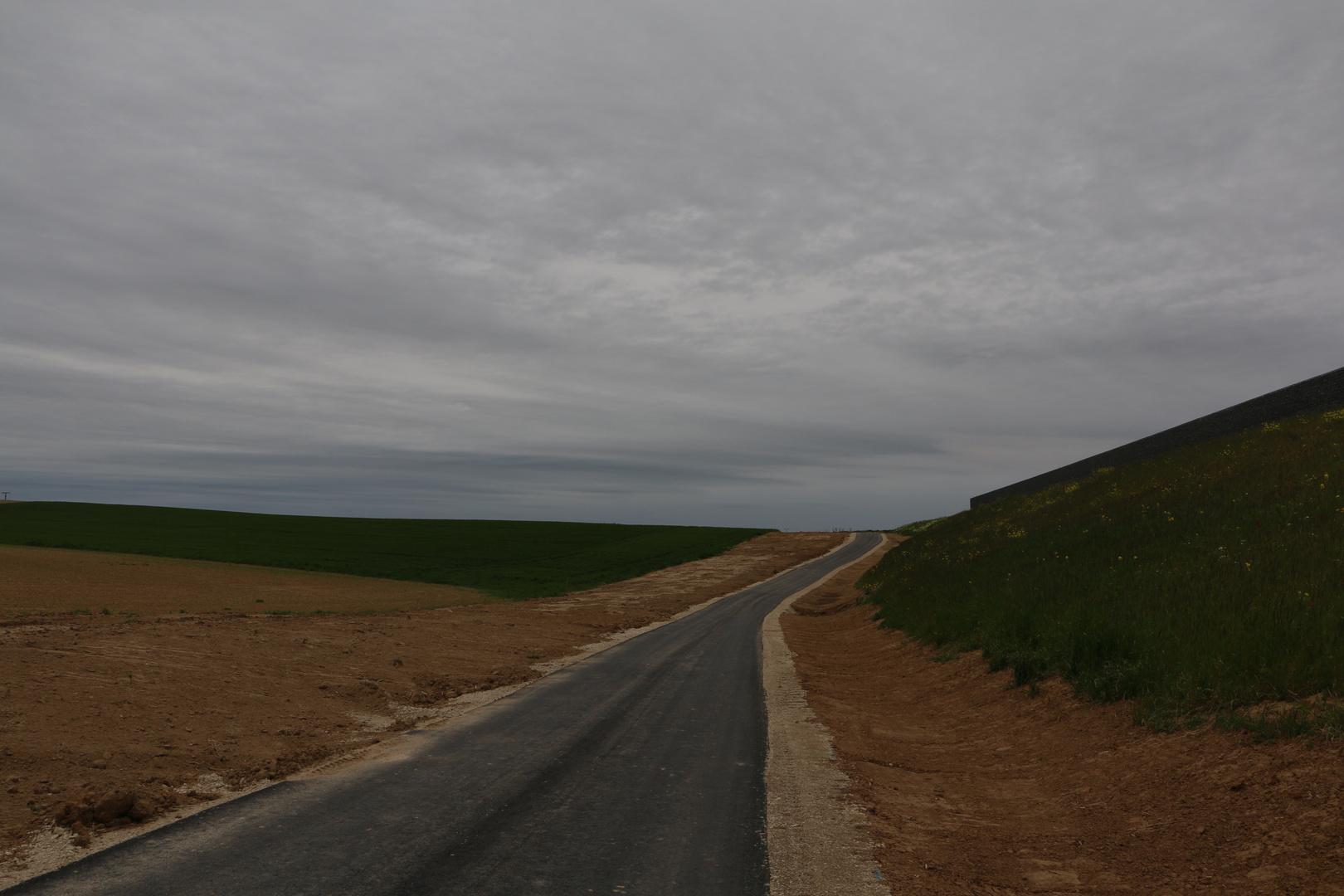 NEU - Die Straße