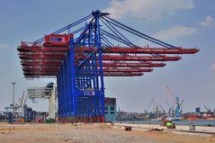 neue Containerbrücken ...
