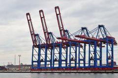 neue Containerbrücken ....