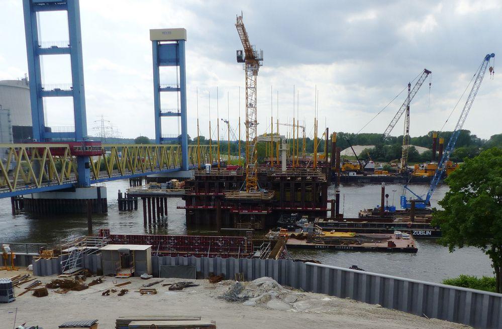 Neue Kattwykbrücke im Bau