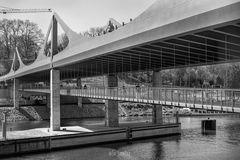 Neue Neckar Bahn- und Fußgängerbrücke