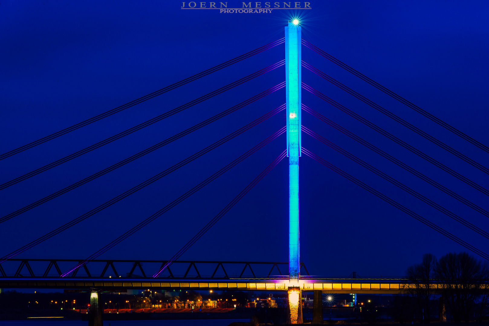 Neue Rheinbrücke in Wesel