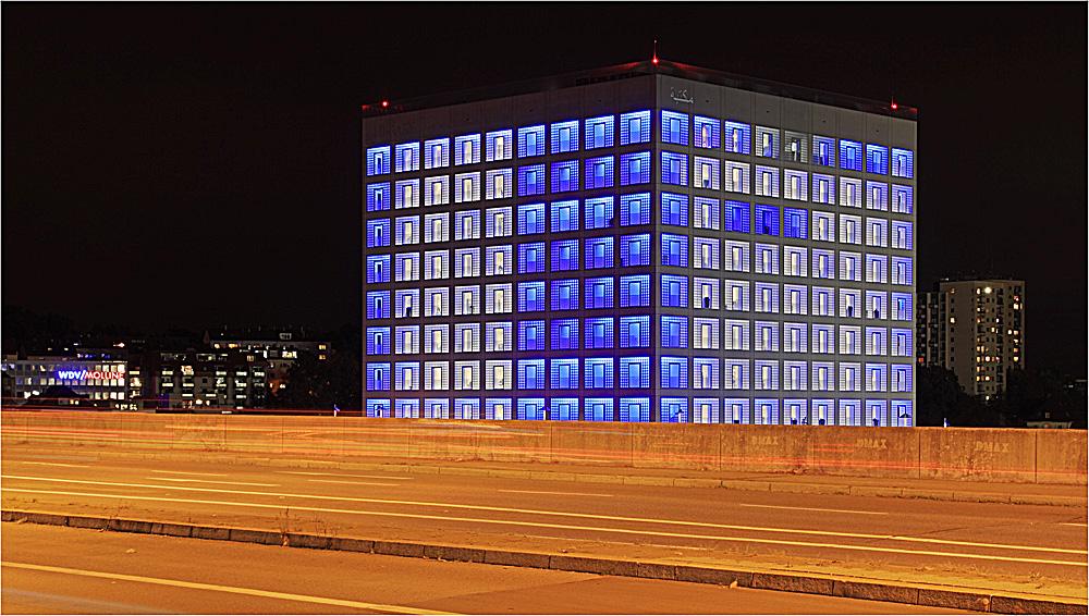 Neue stadtbibliothek stuttgart v foto bild for Neue architektur stuttgart