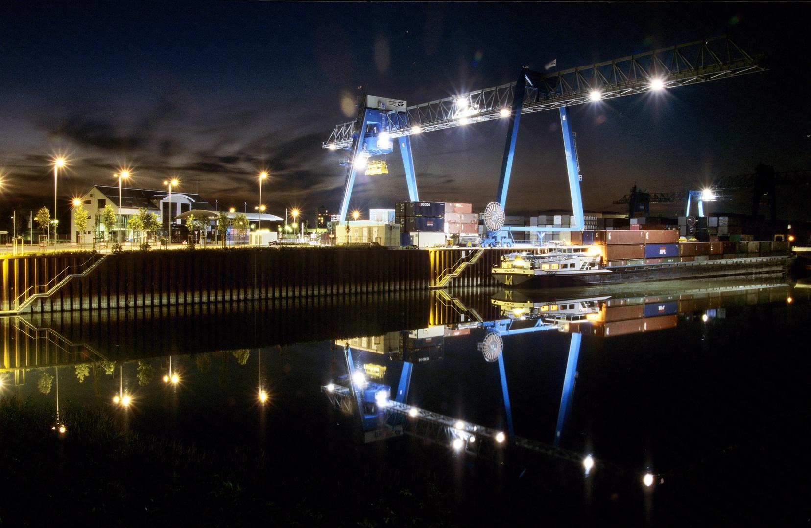 Neuer Containerhafen von Ludwigshafen