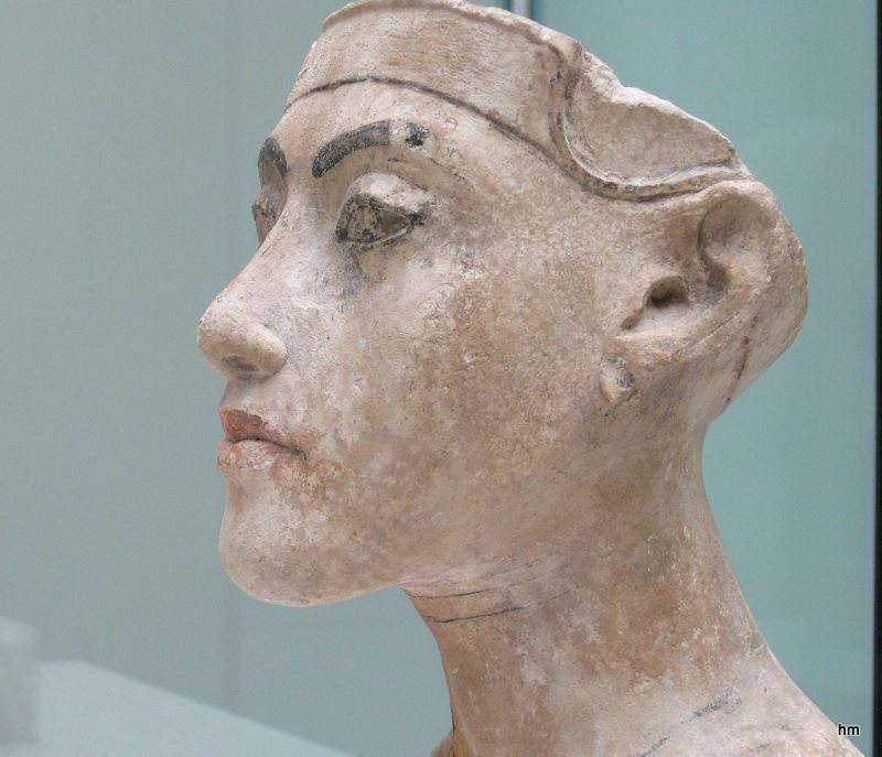 Neues Museum Berlin-1-: Kalksteinkopf der Nofretete