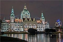 Neues Rathaus Beleuchtet