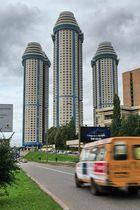 Neues Wohnhaus in Moskau. Mosfilmovskaya strasse !