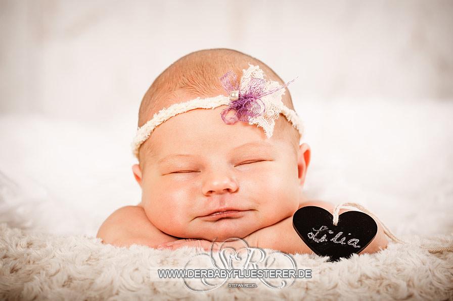 Neugeborenes Lilia, 5 Tage   (Babyfotograf Essen)
