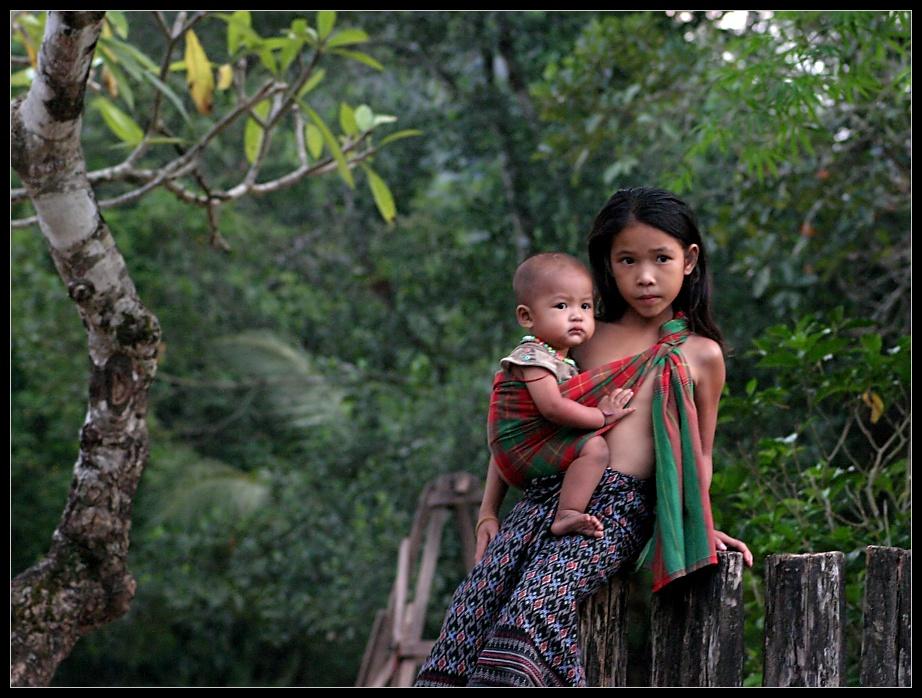 Neugierige Blicke (II), Khammouane Provinz, Laos