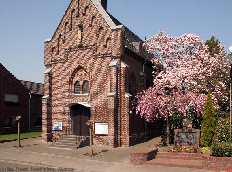 Neugotische katholische Herz-Jesu-Kirche in Kuckum, Erkelenz