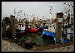 Neuharlingersiel Fischereihafen...