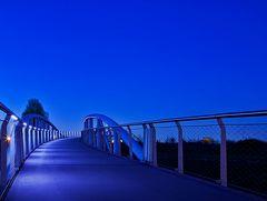 Neulandbrücke...