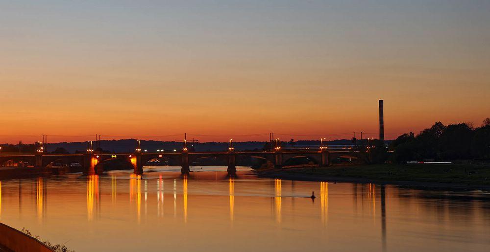 Neulich abends an der Elbe