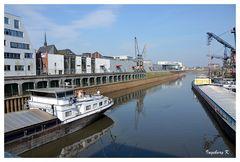 Neuss - Hafenbecken 1 mit Front zur Innenstadt