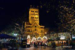 Neuss - Quirinusmünster - Weihnachtsmarkt
