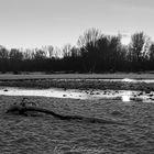 neve al sole sul fiume Sesia