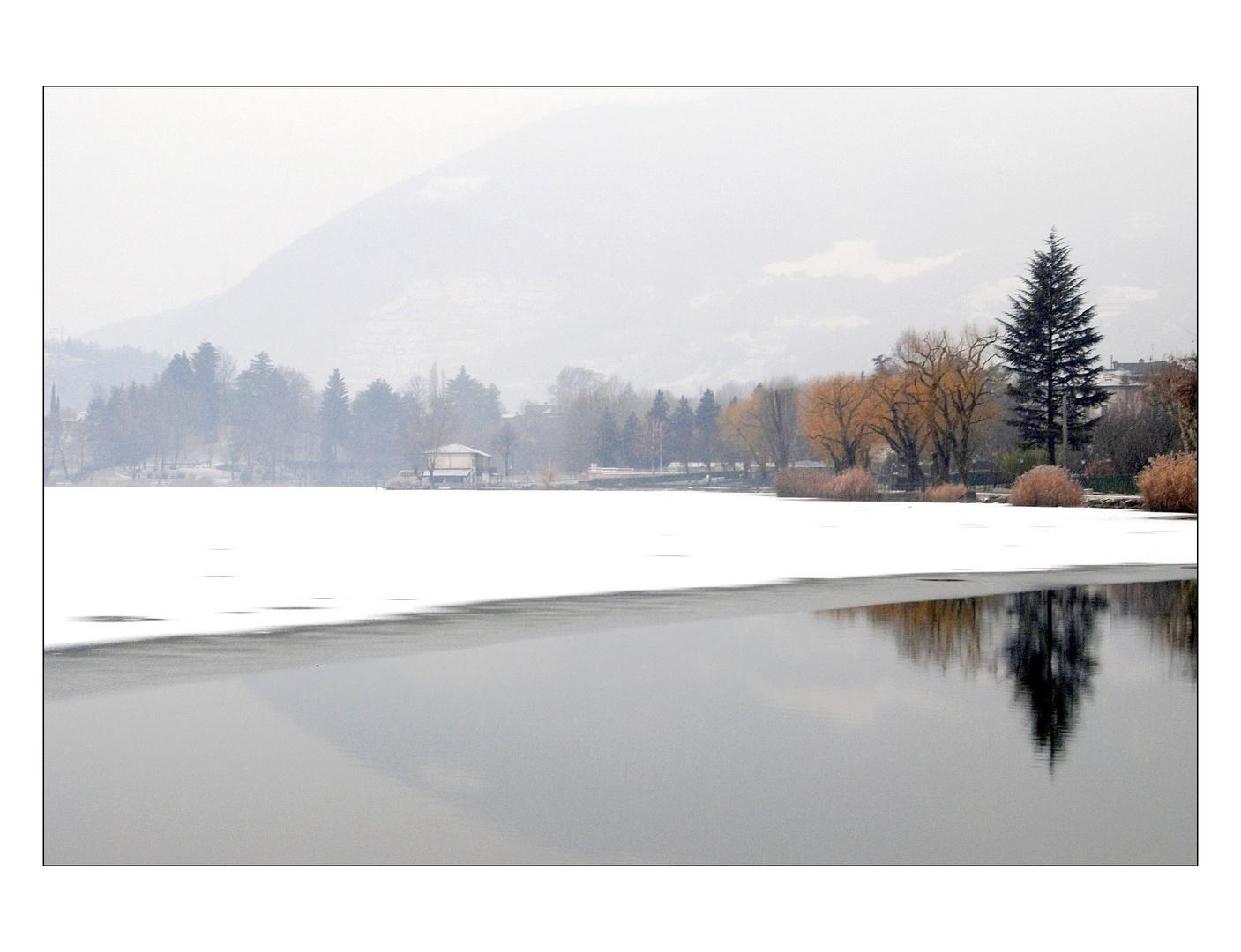 Neve sul lago...