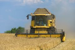 New Holland on work!