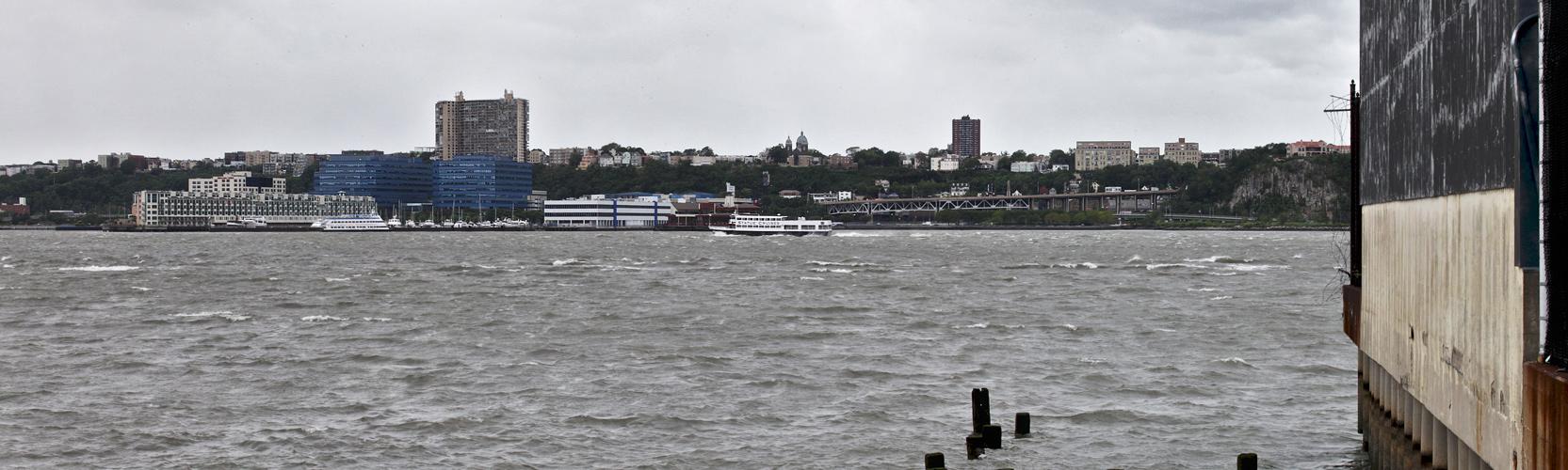 """New York - 18 - """"Hat's en River"""""""