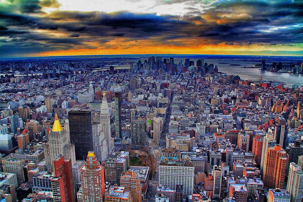 New York Skyline / Empire State Building View / Downtown / 2010 / 3-2