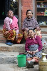 Newar-Frauen in Kirtipur