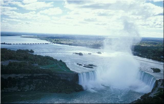Niagara Falls 01