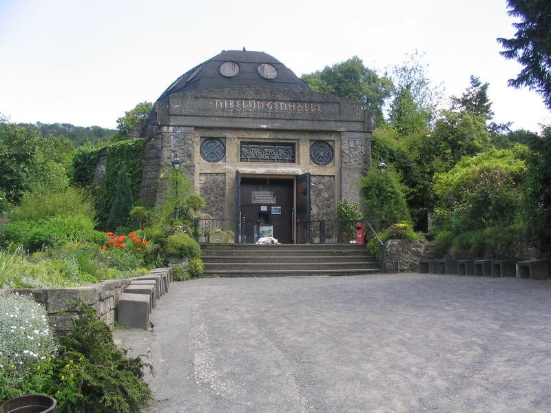 Nibelungenhalle am Drachenfels
