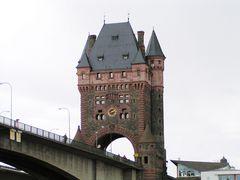 Nibelungentor Rheinbrücke / Worms