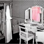 nicht alltäglich (5) - rosa Kleid auf Kleiderbügel ...