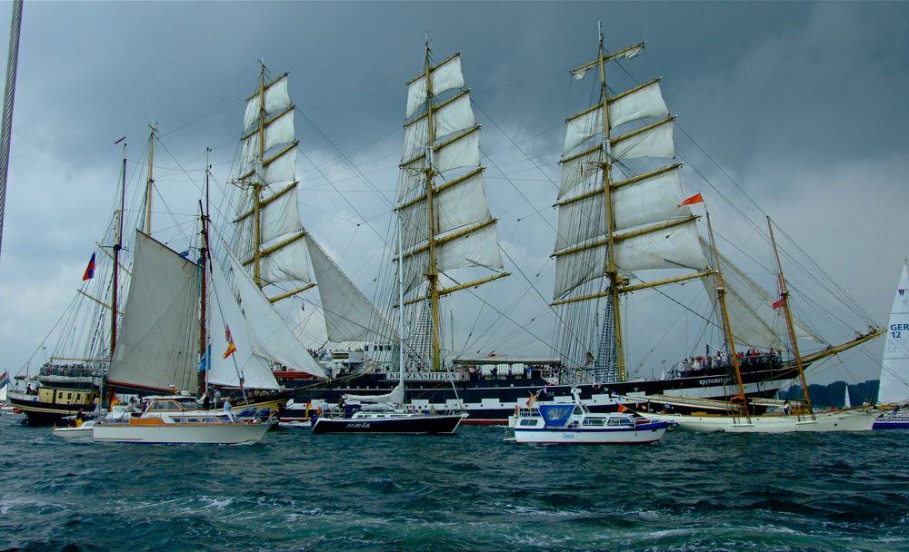 °°° Nicht die Gorch Fock - aber auch ein Segelschulschiff °°°