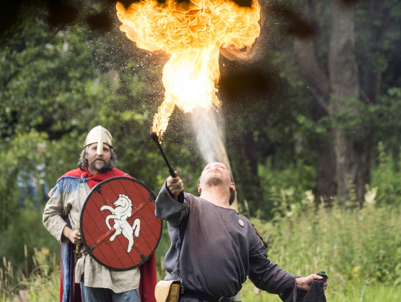 Nicht nur Drachen spucken Feuer...