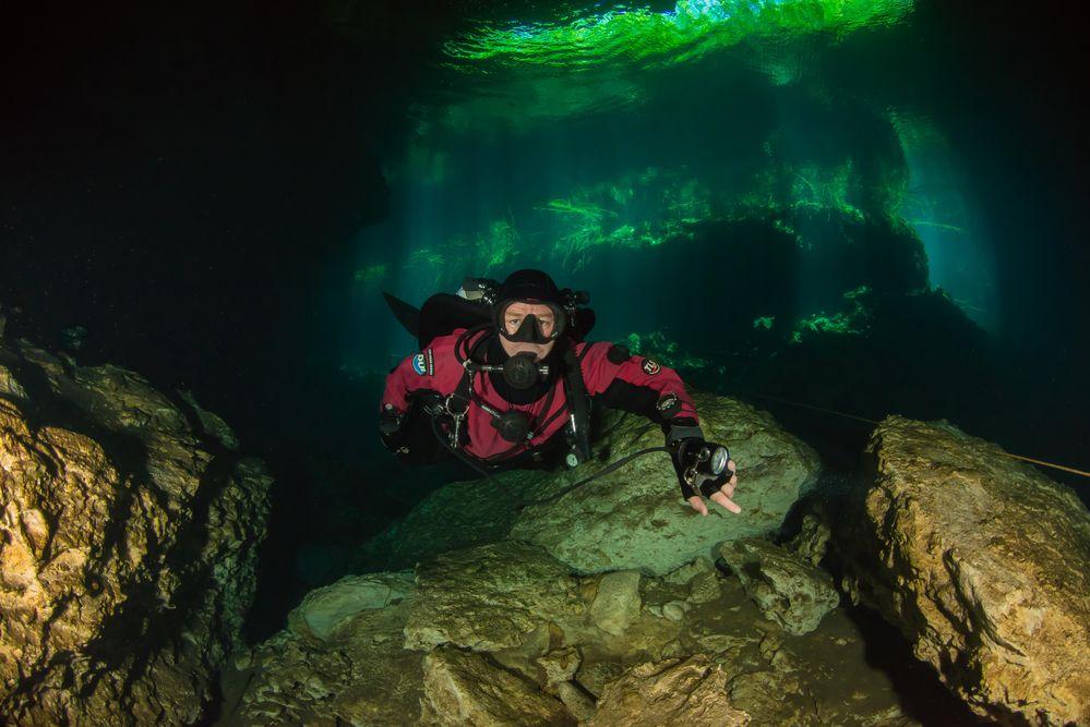 ....nicht nur im Dunklen..... Cenote Eden