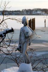 """Nicht vergessen der """"Neujahrs-Sekt"""" muss  rechtzeitig auf´s Eis"""