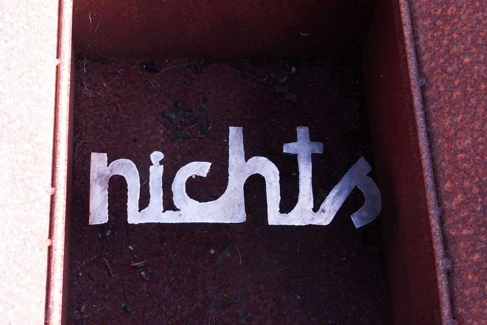 n.i.c.h.t.s
